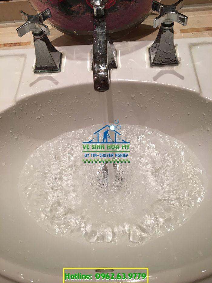 Dịch vụ vệ sinh đường ống nước sinh hoạt gia đình tại Green Hòa Mỹ